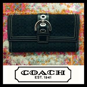 Coach Signature Tri Fold Buckle Button Wallet